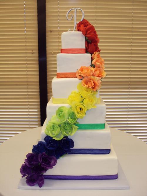 Năm mẫu bánh làm đẹp tiệc cưới