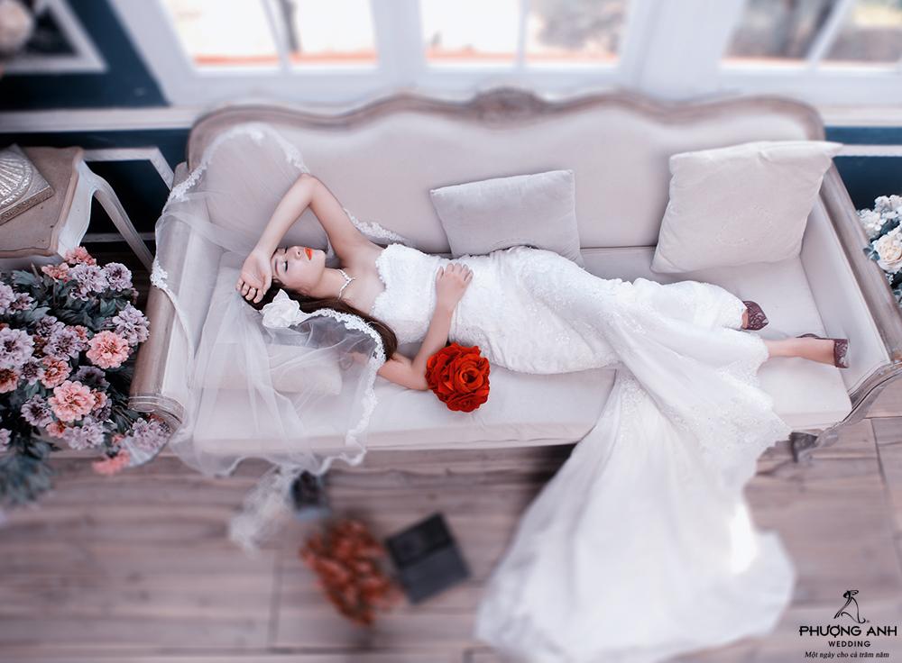 Lãng mạn với váy cưới 2015