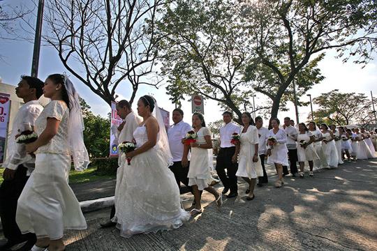 700 cặp đôi cùng làm đám cưới nhân dịp Valentine